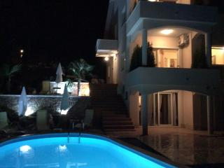 Studio apartment with tavern and swimming pool - Opatija vacation rentals