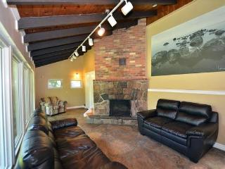 Bright 6 bedroom Chalet in Blue Mountains - Blue Mountains vacation rentals