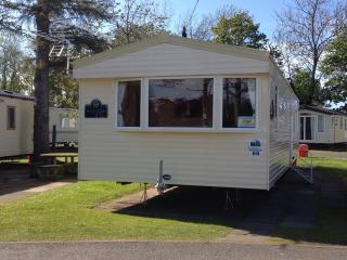 3 Bed Deluxe Caravan for hire - Berwick upon Tweed vacation rentals