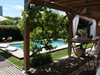 MAISON ANCIENNE ENTIEREMENT RENOVEE DE 110m2 - La Teste-de-Buch vacation rentals