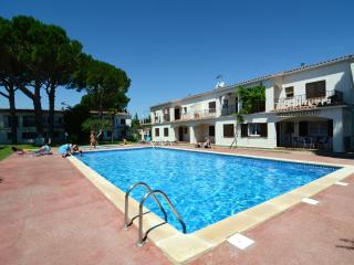 Bright 2 bedroom Vacation Rental in L'Escala - L'Escala vacation rentals