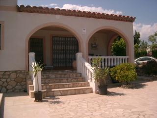 Detached Three Bedroom Villa with Private Pool - Calafat vacation rentals