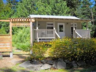 Comfortable 1 bedroom Cottage in Pender Island - Pender Island vacation rentals