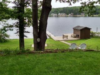 3 bedroom Cottage with Private Fishing in Gowen - Gowen vacation rentals