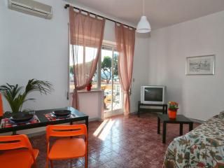 2 bedroom Apartment with Internet Access in Gaeta - Gaeta vacation rentals