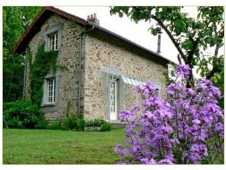 2 bedroom Cottage with Television in Saint-Yrieix-la-Perche - Saint-Yrieix-la-Perche vacation rentals