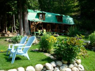 Lovely Cottage with Deck and Internet Access - New Denver vacation rentals