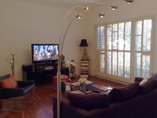 1 bedroom Condo with Internet Access in Beverly Hills - Beverly Hills vacation rentals