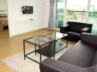 Great Furnished One Bedroom apartment - Bangkok vacation rentals