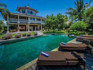 Perfect Villa with Deck and Internet Access - Kerobokan vacation rentals