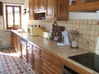 Adorable 5 bedroom Calvados House with Grill - Calvados vacation rentals