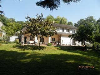 Nice Bed and Breakfast with Internet Access and Housekeeping Included - Ivoy le Pre vacation rentals