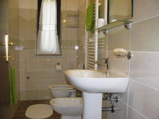 Nice Farmhouse Barn with Towels Provided and Grill - Vitorchiano vacation rentals