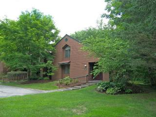 D0302- Managed by Loon Reservation Service - NH Meals & Rooms Lic# 056365 - North Woodstock vacation rentals