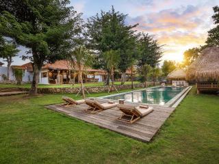 villa Dedaren - 4 Bedrooms - Bingin - Jimbaran vacation rentals