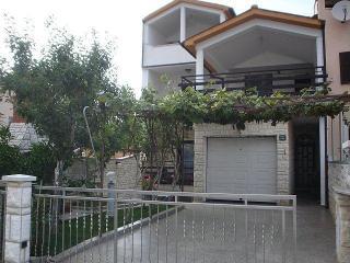 Vesna apartment - Pula vacation rentals