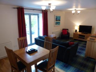 Glen Mor apartment in Old Abbey - wifi, pool, bbq - Fort Augustus vacation rentals