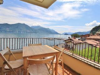 Residenza Menaggio Mimosa - Menaggio vacation rentals
