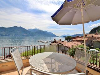 Romantic Condo with Internet Access and A/C - Menaggio vacation rentals