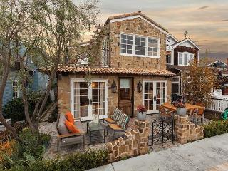 Spectacular 4 Bedroom on Balboa Island -  Bayfront Home - Newport Beach vacation rentals