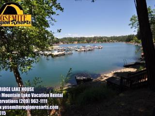 Lakefront 6Bdrms Slps13 Max15 Dock WIFI NrYosemite - Groveland vacation rentals