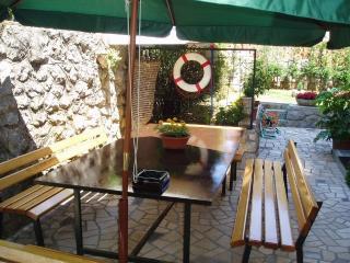 Miria Apartment for 3 with balcony - Ika vacation rentals