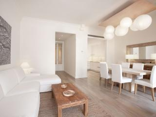 Homearound Casanova Luxury Apartment with Terrace (4BR) - Barcelona vacation rentals
