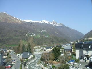 Nice Condo with Mountain Views and Parking - Luz-Saint-Saveur vacation rentals