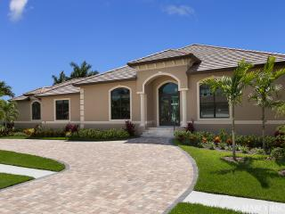 LE VIVIENNE - Our Swanky Floridian Château - New for 2015 !! - Marco Island vacation rentals
