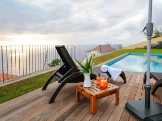 3 bedroom Villa with Deck in Faja da Ovelha - Faja da Ovelha vacation rentals