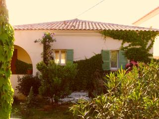 2 bedroom Villa with Internet Access in Sant'Antonino - Sant'Antonino vacation rentals