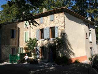 Perfect 3 bedroom Carcassonne Cottage with DVD Player - Carcassonne vacation rentals