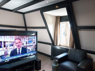 Short Stay Bezuidenhout 84c - The Hague vacation rentals