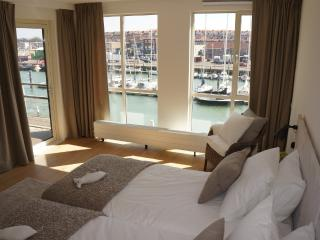 Sunny 2 bedroom Vacation Rental in The Hague - The Hague vacation rentals