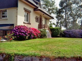 Bright 3 bedroom House in Fouesnant with Internet Access - Fouesnant vacation rentals