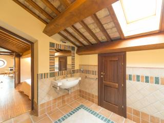 All'Ombra del Sughero - Rovere Suite - Macerata vacation rentals