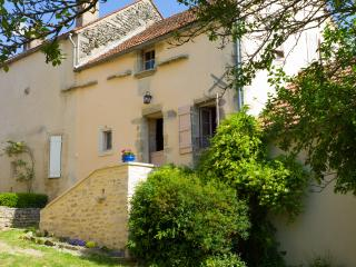 Romantic 1 bedroom Vacation Rental in Flavigny-sur-Ozerain - Flavigny-sur-Ozerain vacation rentals
