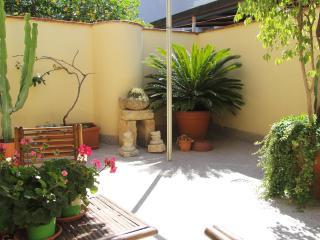 Elegant apartment 100m from Duomo square - Catania vacation rentals