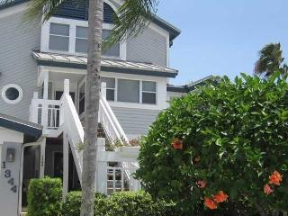 Beach & Bay At Your Doorstep -- Weekly - Sarasota vacation rentals