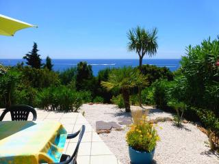 Roches rouges et mer turquoise - Agay vacation rentals