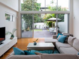 3 bedroom House with Internet Access in Sydney - Sydney vacation rentals