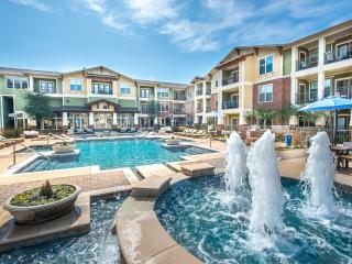 Luxious Urban Oasis- 2bed/ 2Bath - Grapevine vacation rentals