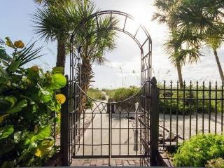 St Pete Beach House Historic Pass-A-Grille for 10 - Saint Petersburg vacation rentals