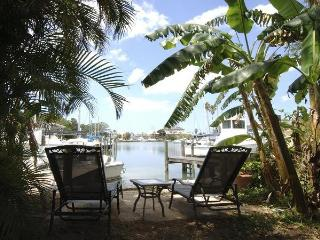 Charming Private Waterfront GetawaynearJohn's Pass - Madeira Beach vacation rentals