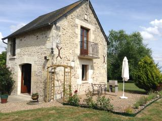 Romantic 1 bedroom Le-Petit-Pressigny Gite with Internet Access - Le-Petit-Pressigny vacation rentals