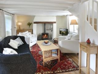 Lovely 3 bedroom House in Coombe Keynes with Internet Access - Coombe Keynes vacation rentals