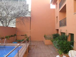 Apt. with pool,beach Begur - Begur vacation rentals