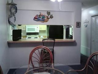 Wonderful 2 bedroom Condo in Bradenton Beach - Bradenton Beach vacation rentals