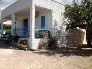 Cozy Cottage with A/C and Television - Castellammare del Golfo vacation rentals