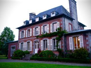 Comfortable Saint-Sauveur-la-Pommeraye Manor house rental with Internet Access - Saint-Sauveur-la-Pommeraye vacation rentals